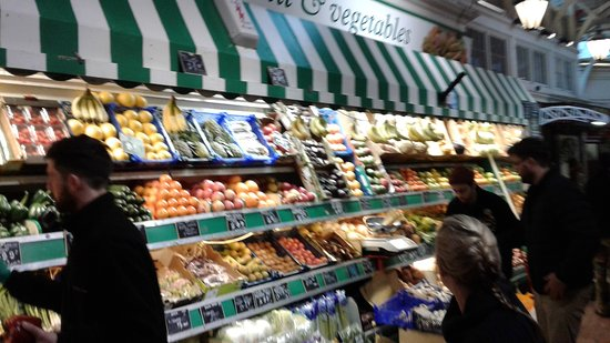 Oxford Covered Market : Fruit & veg stall in the Market