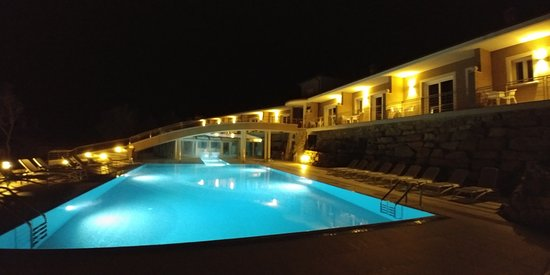 Monteverdi Marittimo, Italia: piscina esterna
