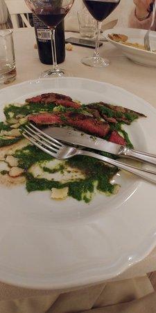 Monteverdi Marittimo, إيطاليا: carne immangiabile