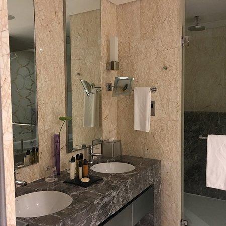 Jumeirah at Etihad Towers : photo0.jpg
