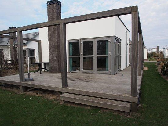 Roompot Vakanties Strandpark Duynhille: Haus mit Terrasse