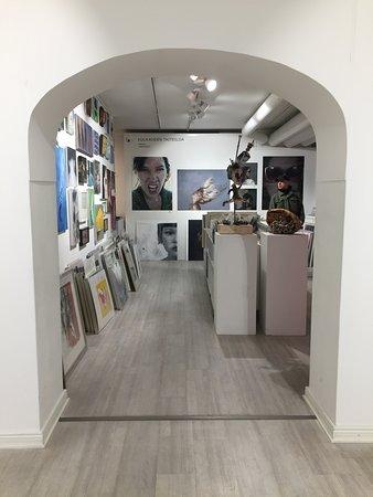 Galleria G12