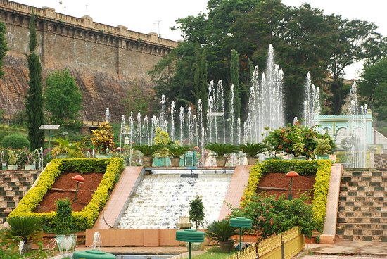 Hotel Sandesh The Prince: Vrindavan Garden