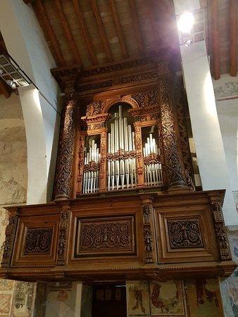 Organo con colonne scolpite i legno massello - Bild von Monastero ...