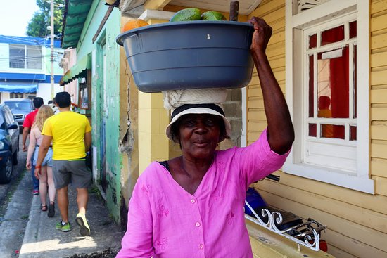 Puerto Plata Province, Dominican Republic: Street walking at our Puerto Plata Vintage tour