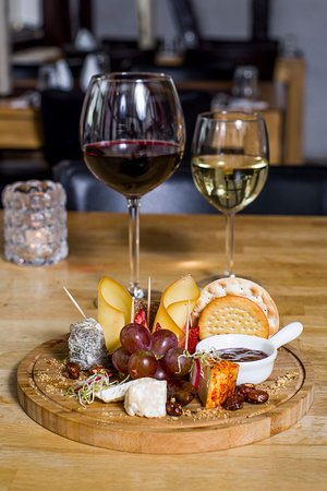 What's your choice, red or white wine?cheese plate, with selection of Iceland cheese..