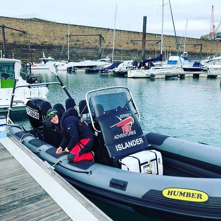 Trinity, UK: Powerboat level 2