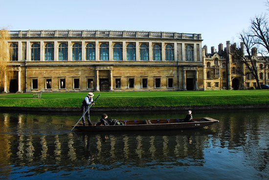 Wren Library at Trinity College - Bilde av Cambridge Punt