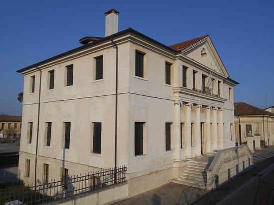 villa Foscarini Erizzo, Pontelongo