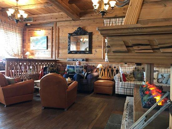 lobby picture of hotel alpen ruitor meribel tripadvisor. Black Bedroom Furniture Sets. Home Design Ideas