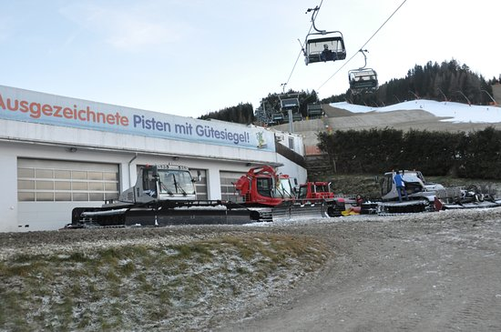 Spital am Semmering, ออสเตรีย: Mechanisierter Fuhrpark der Bergbahnen