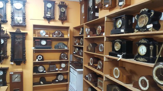 huge selection of 7cadb 23a6f Some more Mantel Clocks - Picture of The Clock Shop ...