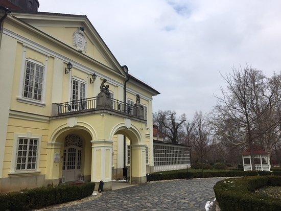 Rojtokmuzsaj, Hungary: Front Entrance