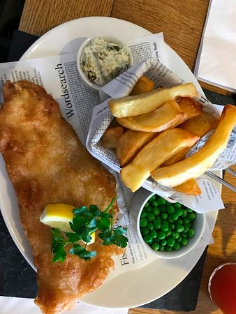 Beesands, UK: Cod and Real Chunky Crispy Chips