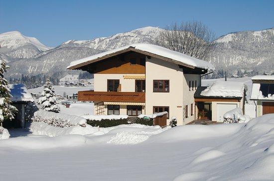 Abtenau, ออสเตรีย: Aussenansicht von unserem haus
