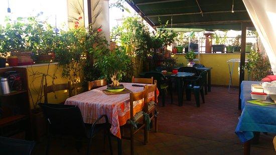 Terrazza fiorita - Picture of B&B Marconi, Verona - TripAdvisor