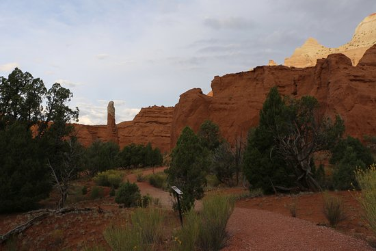 Cannonville, UT: Scenery Along Nature Trail