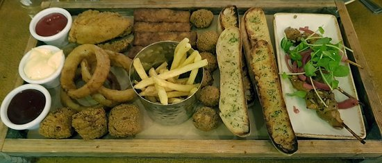 Slug & Lettuce: platter for 2