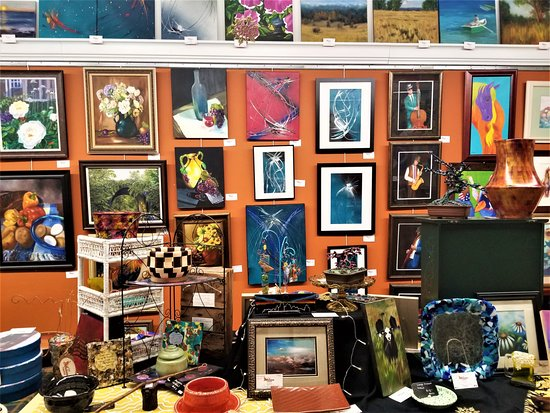 Liberty, MO: Representing over 25 Local artists. Over 500 pieces of original art available.