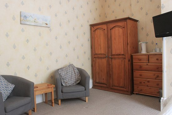 The Collingdale Guest House: Large Wooded View Room