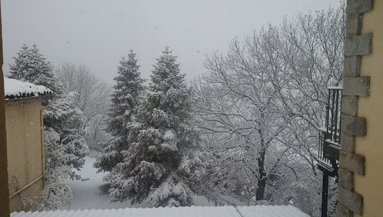 Lles de Cerdanya, Hiszpania: Las vistas desde la ventana de nuestra habitación el sábado pasado