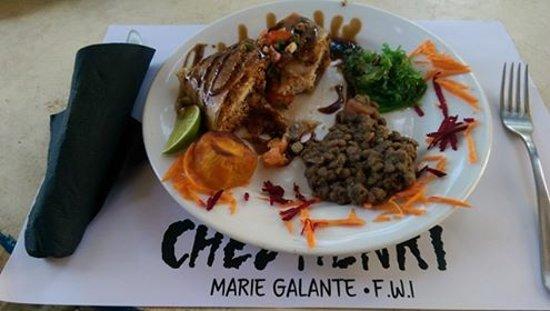 Saint Louis, Guadeloupe: Croustillant de daurade - un délice!