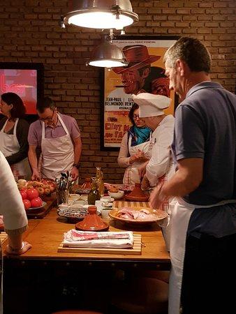 Marrakchef cours de cuisine marocaine du riad monceau - Cours de cuisine confluence ...