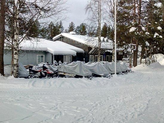 Savukoski, Finlandia: vue sur l'hotel (petite structure donc très familiale)