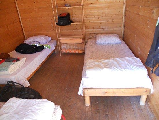 interieur chalet - Bild von Camping Moto Route 99, Saint ...