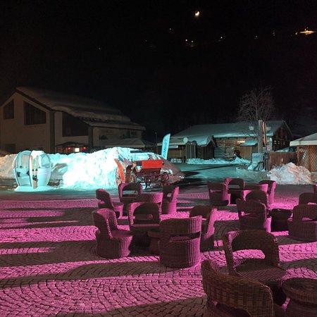 Club /Moniteur de ski/Ventes photos aux GM