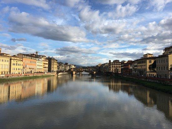B&B La Dimora degli Angeli: река Арно