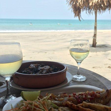 Tortugas Beach Bar & Grill: photo1.jpg