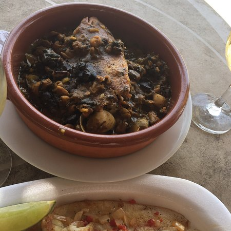 Tortugas Beach Bar & Grill: photo2.jpg