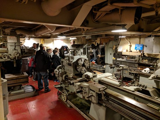 Uss Salem: the shop