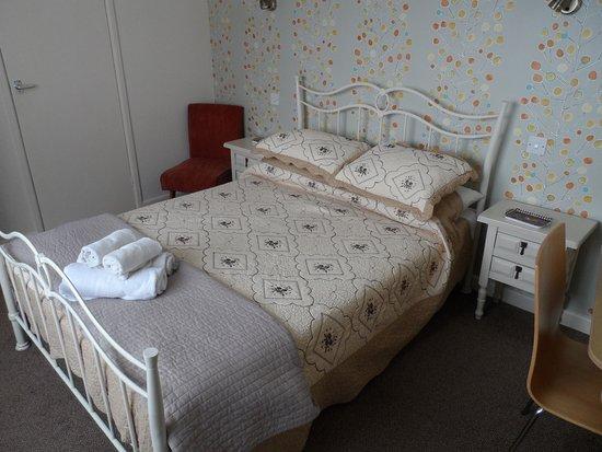 St Georges: Bedroom