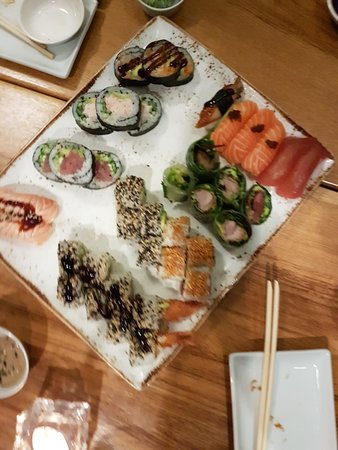 diverse sushi ad libitum - Bild från Izumi, Charlottenlund - TripAdvisor