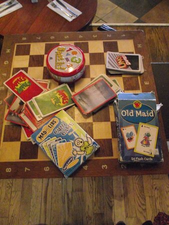 UNO Chicago Grill: HAVERHILL, MA - UNO - GAME BOARD WITH OLD MAID & OTHER GAMES