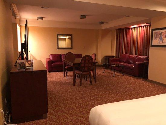 giant suite with a tiny bed picture of westgate las vegas resort rh en tripadvisor com hk