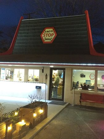South Milwaukee, วิสคอนซิน: MKE Taco Stop outside