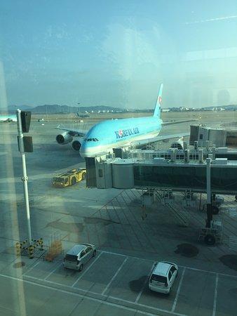 Korean Air Airbus A380 arriving at Seoul Incheon International ...