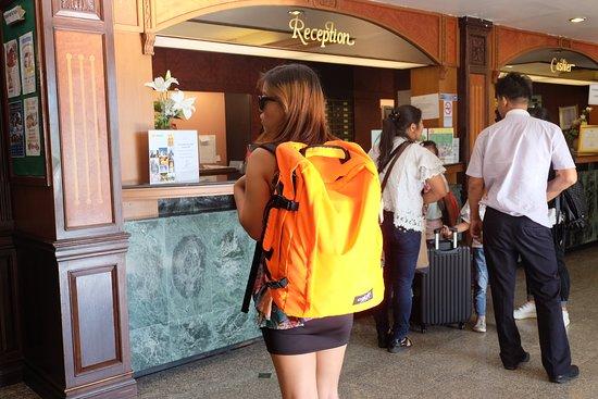 Hotel De Moc: Reception