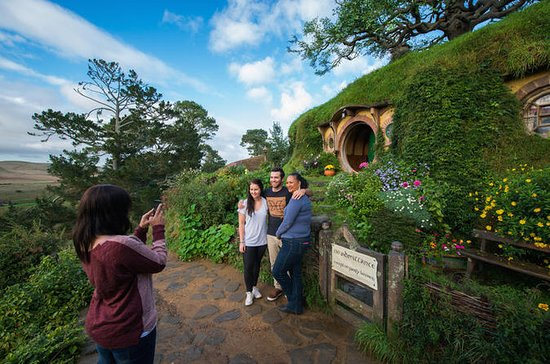Hobbiton Day Tour from Auckland in...