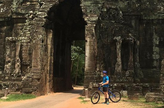 Angkor Temples Bike Tour