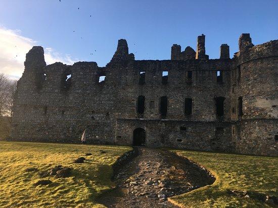 Balvenie Castle: front