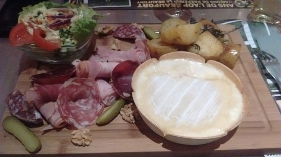 Saint Jean d'Arves, فرنسا: Boîte à fromage