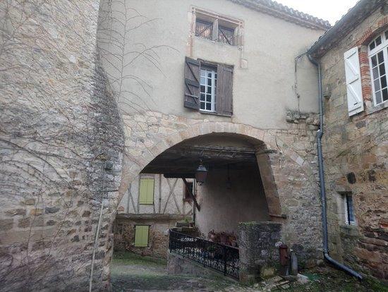 Penne, Γαλλία: DSC_0165_large.jpg