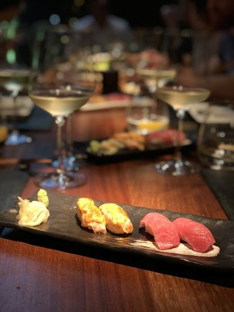 Emirate of Abu Dhabi, Förenade Arabemiraten: Blue Fin Tuna Nigiri Sushi
