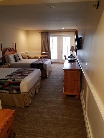 Sag Harbor Inn: 20180321_094244_large.jpg