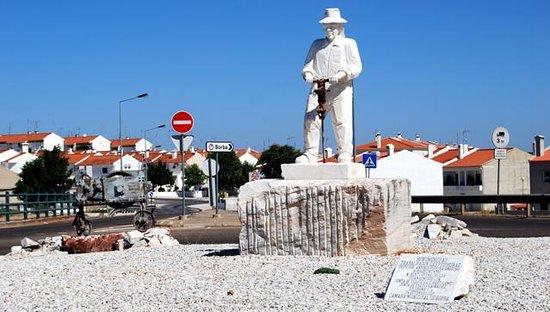 Monumento aos Trabalhadores dos Marmores