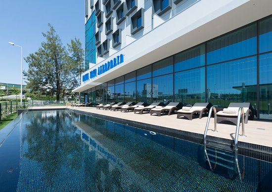 Tryp lisboa aeroporto hotel lisbon portugal reviews - Hotels in lisbon portugal with swimming pool ...